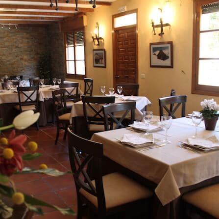 interior-restaurante-los-arenales