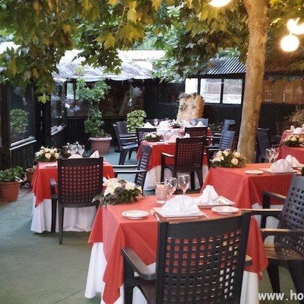 terraza-restaurante-los-arenales